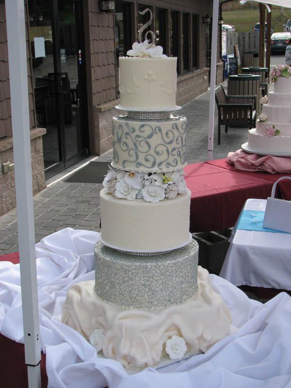 Amaretto Flavored Wedding Cake
